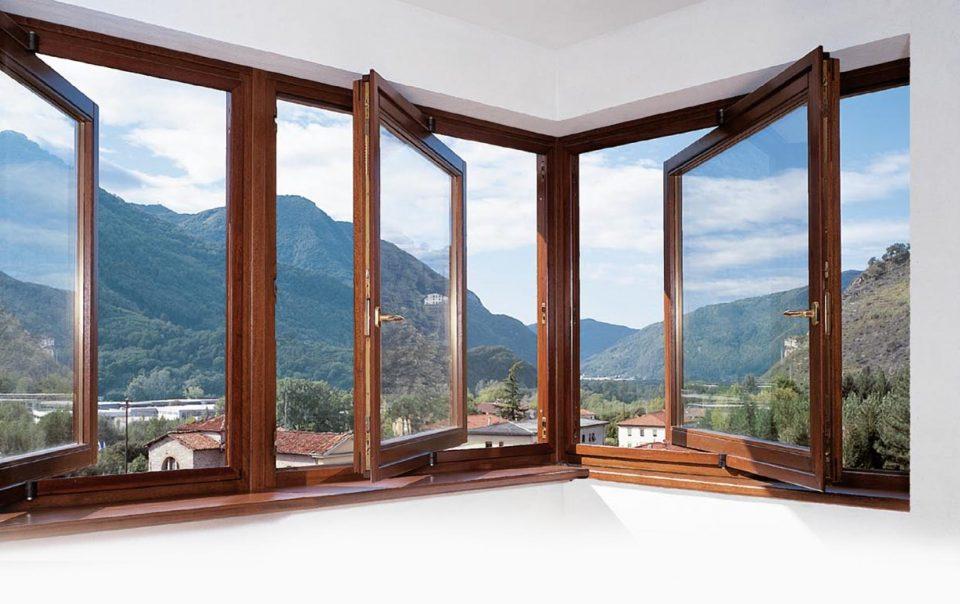 деревянные окна поворотные
