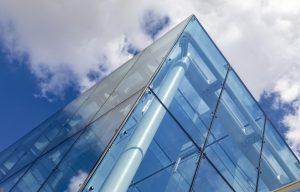 Что собой представляет структурное фасадное остекление?
